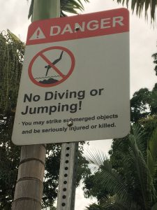 weird signs in Hawaii